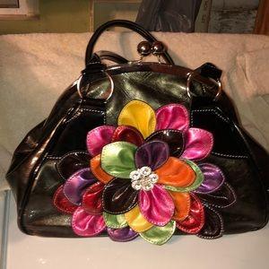 Handbags - Beautiful flower snap closed bag